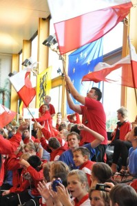 Polish swimmers cheer on teammates at the EU Swim Aarschot 2009